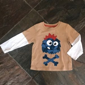 $4 w/ $15 bundle. 4T. Appliqué monster. Like new